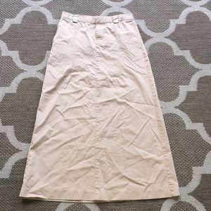 Dresses & Skirts - Preppy Gap skirt.  Long.  Size 4.  Pockets !